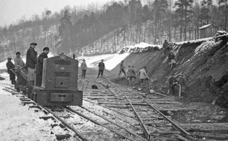 Erdbewegung mit Feldbahn um 1930